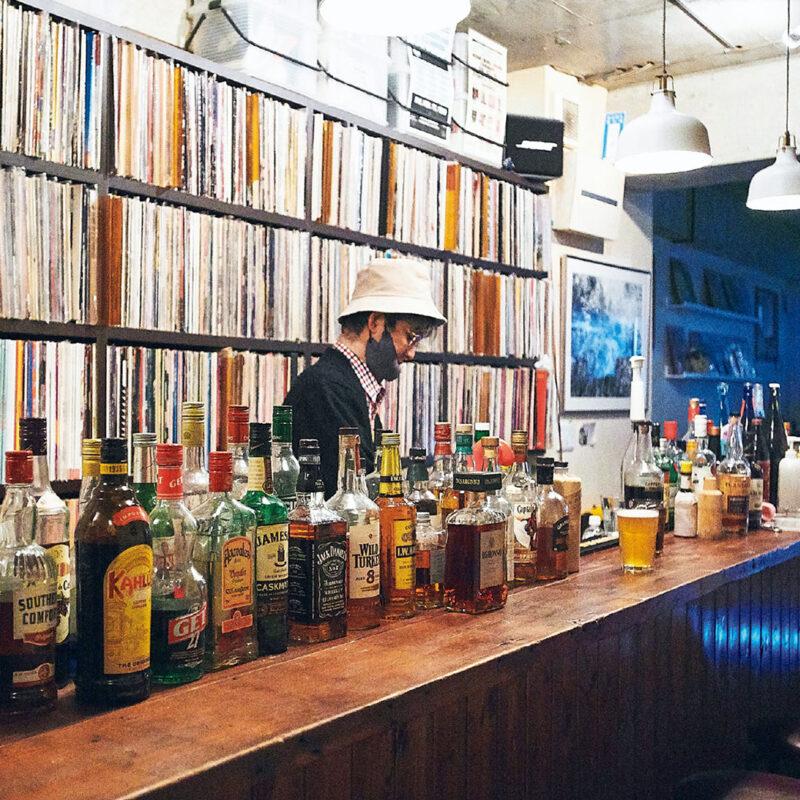 音楽と会話から生まれる団欒。飲める東京のレコードショップ3店