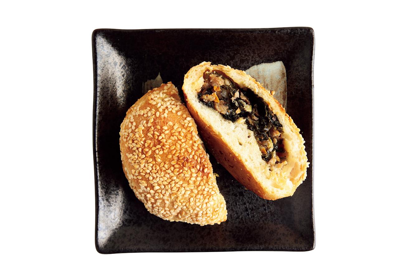 福建海苔入り自家製パン、紫菜光餅¥418。