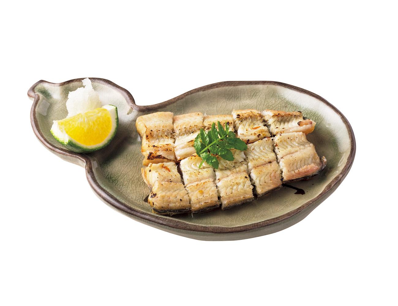 うなぎぬか漬け¥880は、唐津の酒場で出会った旨い肴を再現。