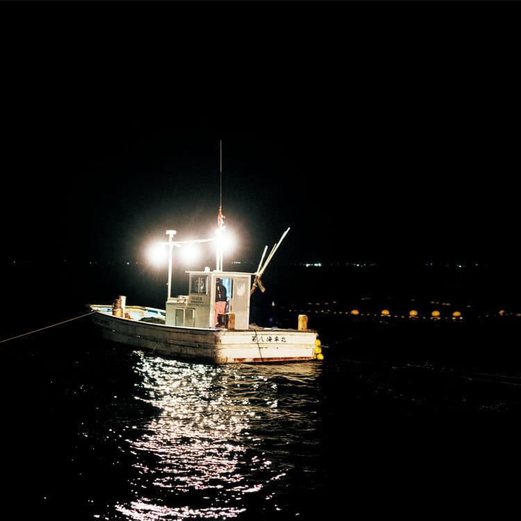 朝3時に鹿渡島漁港を出航