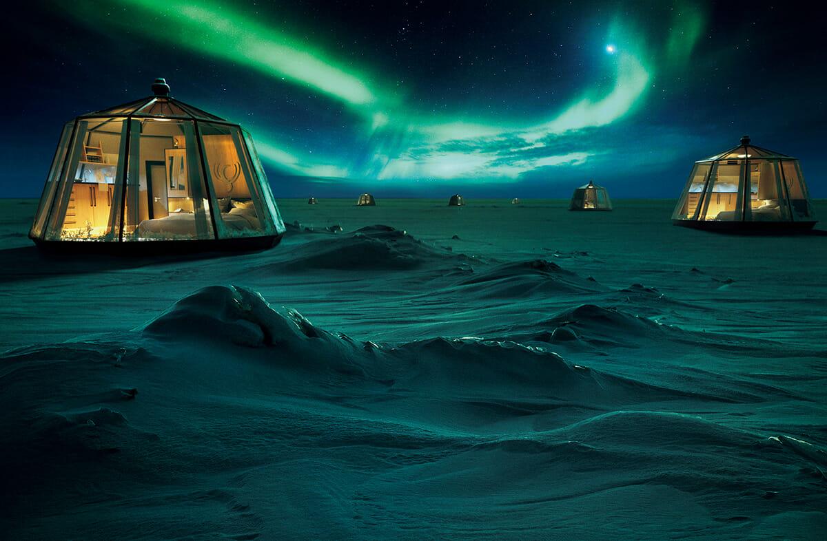 北極で移動式キャビンでオーロラを見る