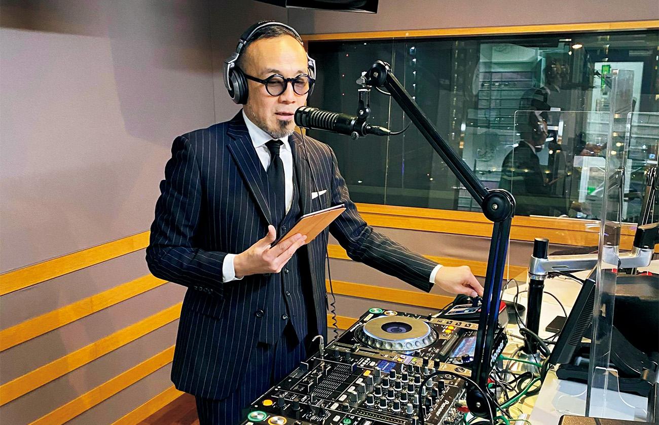 DJを務める松浦俊夫