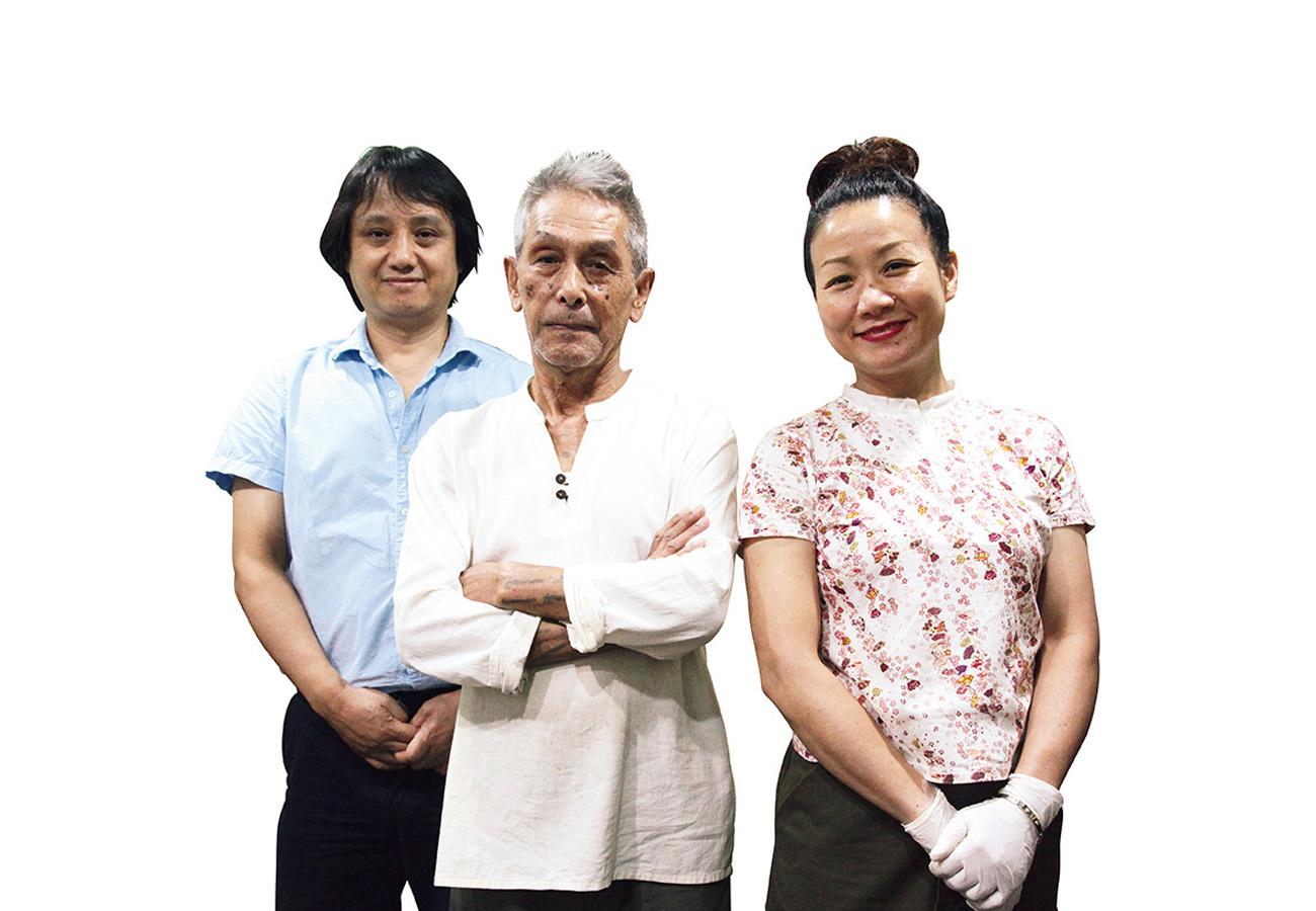 真ん中がラオス出身の創業者、山田泰正さん。国は違えど、皆シャン族。