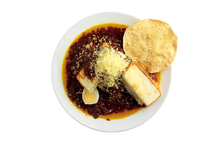 ボンベイサンド®カレー ¥1,300ボンベイサンド®、キーマカレー、インドスナック、チーズ、ご飯。
