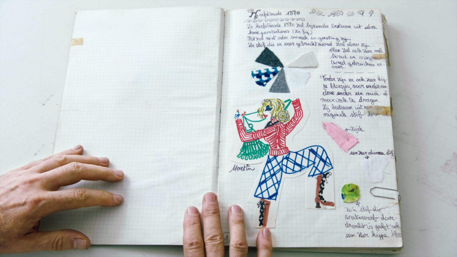 デザイン画には祖母の洋裁の端切れを貼り付けた。©2019 Reiner Holzemer Film ‒ RTBF ‒ Aminata Productions