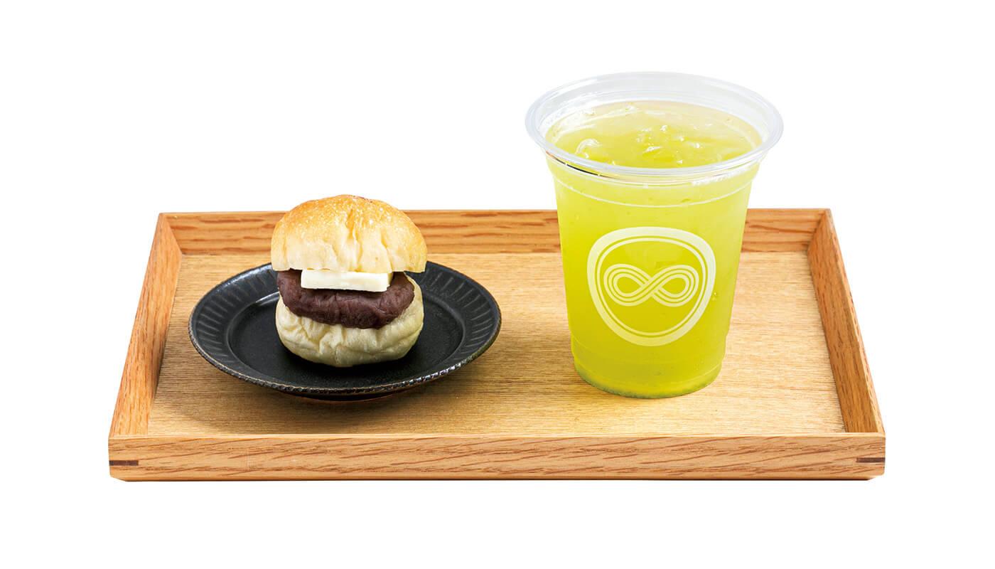 (右)煎茶「牧之原」¥463。(左)バターこしあんぱん¥186。