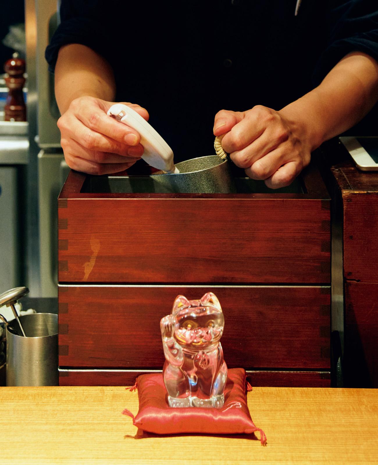 純米酒とナチュラルワインがメイン。〈高太郎〉仕込みの燗酒は健在。