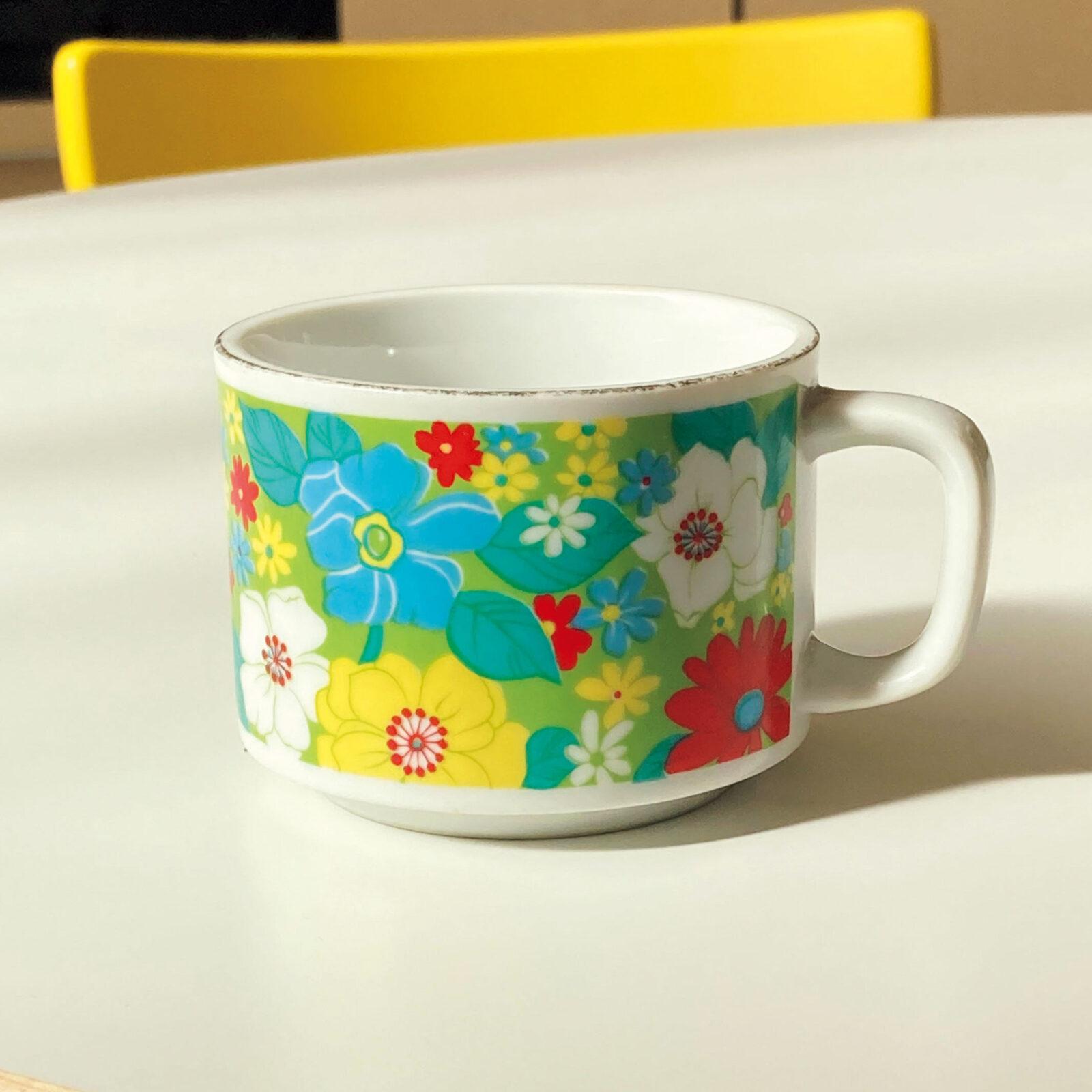 DJみそしるとMCごはん(ミュージシャン)祖父母の家にあったカップを、上京する時に譲ってもらいました。子供の頃、祖父母の家に泊まった日の朝ご飯は、これであったかいカップスープを飲むのがお決まりだったな。