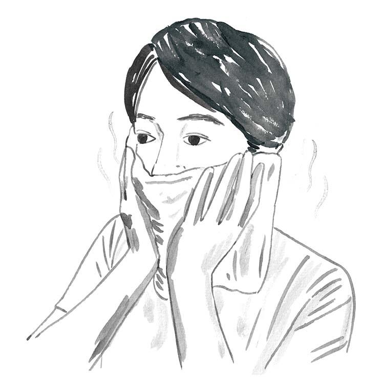 1.朝のヒゲ剃りは蒸しタオルを活用。まず軽く顔を洗って肌を清潔にしたら、電子レンジで蒸したタオルでヒゲ剃りする場所を3分ほど覆い、ヒゲを柔らかくすることが大事。この一手間で、肌へのダメージもだいぶ軽減されるうえ、仕上がりも美しくなるはず。