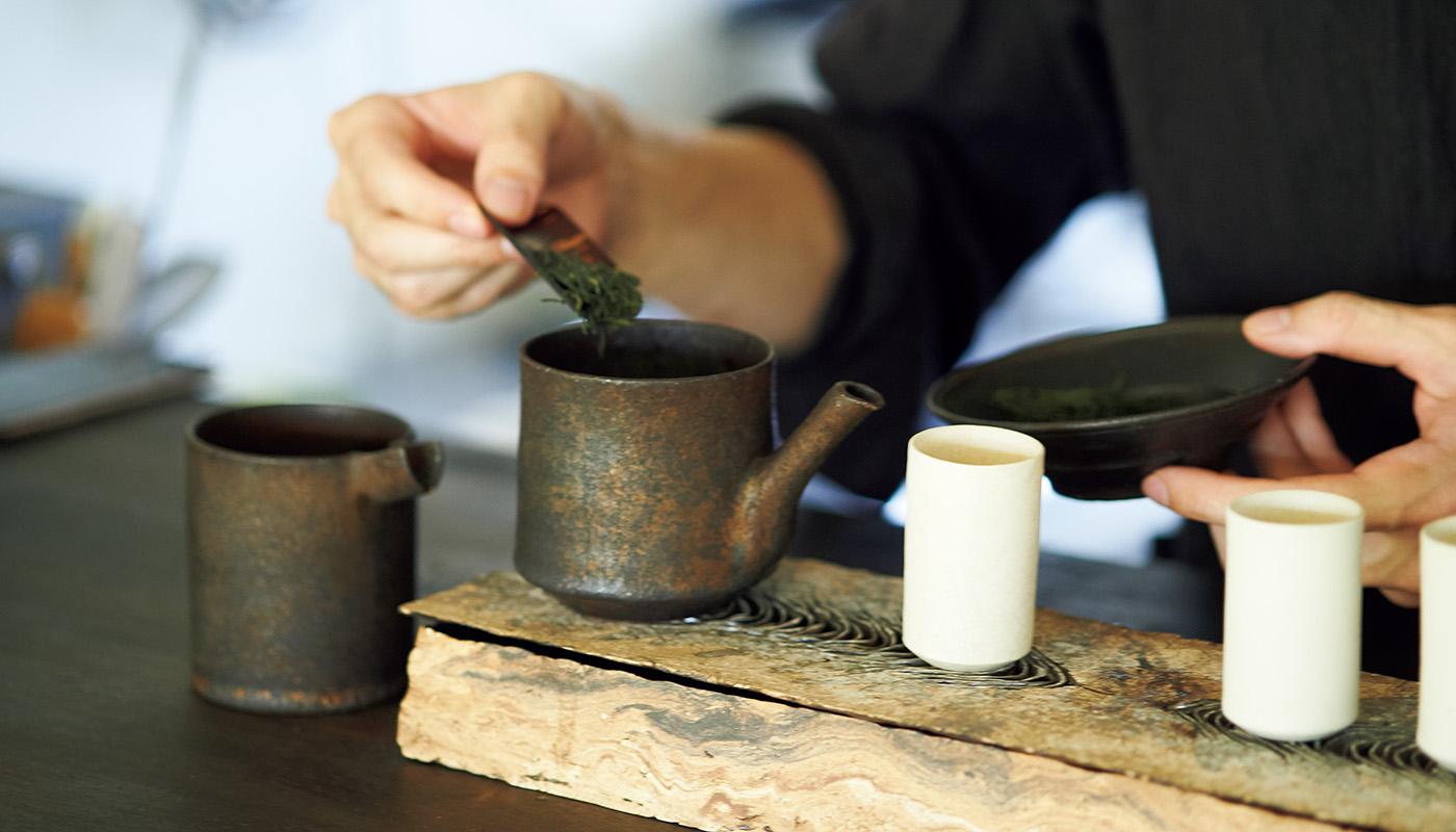 茶寮〈澱と葉〉でお茶とお酒と料理のお任せコース¥15,000(完全予約制)。Instagram:@oritohaで要予約。