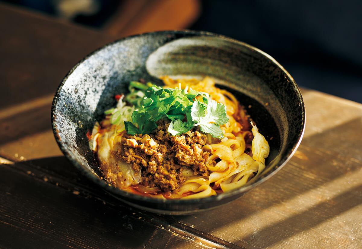 熊本県の釜聖麺屋の刀削麺